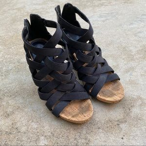 BCBG Pleather Wedge Strappy Sandals Black and Tan